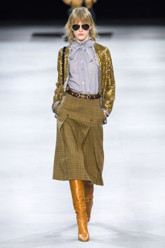 Celine Fall 2019 Ready-to-Wear Fashion Show Celine Fall 2019 Ready-to-Wear Collection - Vogue Fashion Mode, Moda Fashion, Runway Fashion, Fashion Show, Womens Fashion, Fashion Trends, Fashion Ideas, Fashion 101, Fashion Quotes