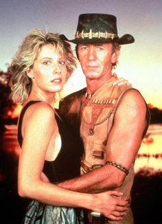 """They have been married for no less than 23 years, but now movie stars Paul Hogan and Linda Kozlowski -best known for their roles in the """"Crocodile Dundee""""-, have decided to end their marriage. Linda Kozlowski, Crocodile Dundee, Australian Actors, New Comedies, Ex Husbands, Classic Films, Old Movies, Phan, Film Movie"""
