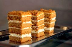 Širšių lizdas: Biskvitinis medaus tortas