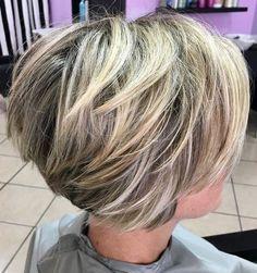 60 Best Short Haircuts for Haircuts Women - Neue Frisuren - Cheveux Short Choppy Haircuts, Layered Haircuts For Women, Bob Hairstyles For Thick, Haircut Short, Curly Haircuts, Medium Stacked Haircuts, Wedge Hairstyles, Layered Hairstyles, Hairstyles 2018