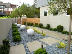 Modern landscaped yard in Seattle
