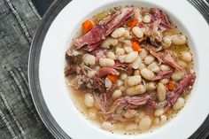 Hearty white bean and ham soup