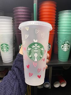 Starbucks Cup Design, Starbucks Drinks, Personalized Starbucks Cup, Custom Starbucks Cup, Custom Cups, Starbucks Plastic Cups, New Business Ideas, Tumbler Designs, Cricut Design