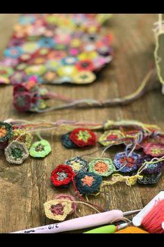 Miniature Crochet workshop on Insta. Yarn subscription to make an heirloom crochet scarf Bobs, Friendship Bracelets, Workshop, Miniatures, Crochet, How To Make, Amigurumi, Atelier, Work Shop Garage