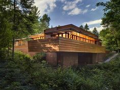 Fans of the work of famed architect Frank Lloyd Wright