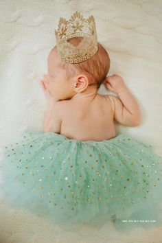 Need the perfect newborn photo shoot outfit? We love this Mint Green & Gold Dot Tutu
