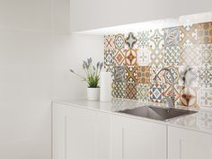 Kitchen tiles morrocan home 44 super Ideas Moroccan Tiles Kitchen, Kitchen Tiles Design, Kitchen Interior, Kitchen Decor, Decorating Kitchen, Kitchen Sink, Sweet Home, Cuisines Design, Home Kitchens