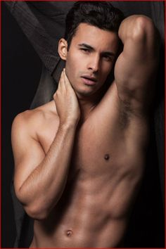 Гей модель Renato Freitas
