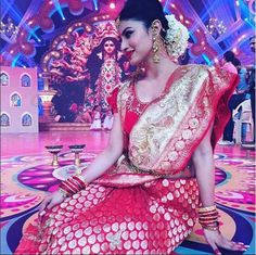 Naagin's Mouni Roy will give you SLEEPLESS nights! – view pics! - Bollywood News & Gossip, Movie Reviews, Trailers & Videos at Bollywoodlife.com - Mouni Roy Photographs  IMAGES, GIF, ANIMATED GIF, WALLPAPER, STICKER FOR WHATSAPP & FACEBOOK