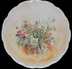 Royal Albert - Shakespeare's Flowers - Collector Plates www.royalalbertpatterns.com Painted Plates, China Plates, China Painting, Royal Albert, China Porcelain, The Collector, Mantle, Trays, Decorative Plates