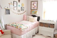 How easy and comfortable is this zipper bedding and minky lined interior? A must have for your girl's bedroom!