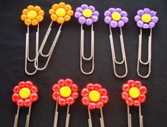 Andrea Taylor - Porcelana fria Polymer Clay Canes, Cute Polymer Clay, Clay Art Projects, Polymer Clay Projects, Paperclip Crafts, Kids Clay, Biscuit, Valentines Presents, Button Crafts