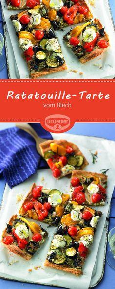 Passend zu der Pantone Trendfarbe Cherry Tomato: Ratatouille-Tarte vom Blech - Ein pikanter Kuchen mit frischem Gemüse und Kräutern darf auf keiner Party fehlen