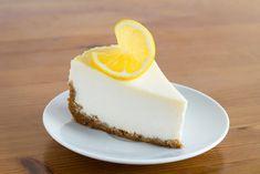 Cheesecake cu lamaie si seminte de mac - Andreea Raicu Gordon Ramsay, Panna Cotta, Cheesecake, Mac, Lemon, Baking, Ethnic Recipes, Food, Dulce De Leche