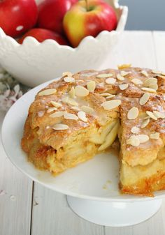 This apple cake recipe is deliciously moist and is bound to be one of the easiest cakes you will ever make http://mumy.me/229