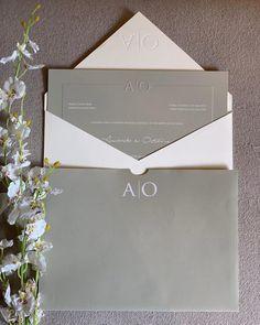 Modelo de convite de casamento: 80 propostas encantadoras e românticas Invitation Envelopes, Wedding Invitations, Invites, Cute Cards, Make It Yourself, Party, Design, Wedding Things, Engagement