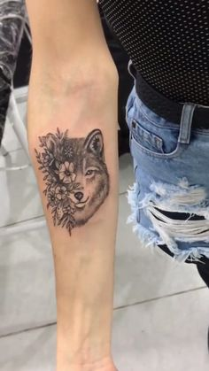 Wolf and fox Wrist Tattoos, Dog Tattoos, Animal Tattoos, Cute Tattoos, Beautiful Tattoos, Flower Tattoos, Body Art Tattoos, Sleeve Tattoos, Wolf Tattoo Design