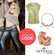As blusas com estampas de frutas deixam qualquer composição divertida e a cara do verão. Combine com jeans skinny Império para deixar o look super moderno!