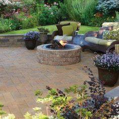 Fire Pit Backyard, Backyard Patio, Backyard Landscaping, Landscaping Ideas, Backyard Fireplace, Fire Pit Wall, Fire Pit Decor, Rectangular Fire Pit, Square Fire Pit