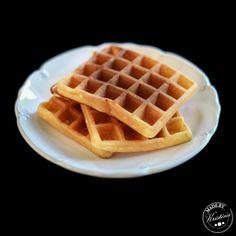 Recept na vafle podle Kristíny Nemčkové Ham, I Foods, Food And Drink, Cookies, Breakfast, Sweet, Recipes, Waffles, Essen