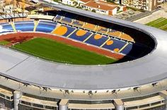 A equipa de Coimbra, jogou, ao longo dos anos, em dois recintos: O primeiro foi o campo de Santa Cruz, construído nos anos 30 e o segundo, o Estádio Municipal de Coimbra, também conhecido por Calhabé por estar localizado na zona com o mesmo nome, edificado na década de 40 e que foi propriedade da autarquia local.