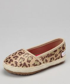 These preppy little flats with a splash of golden sheen are picture perfect for a jungle gym play date. They slip on and off with ease and look charming to boot. Fabric upperMan-made soleImported