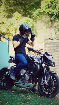 MV Agusta Brutale with modded headlight Er6n, Moto Car, Good Poses, Mv Agusta, Sportbikes, Custom Bikes, Bikers, Wolves, Cars And Motorcycles