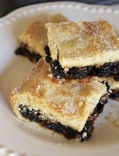 SCOTTISH FRUIT SLICE. A classic bakery recipe that is so delicious, it's really surprising! #fruitslice #scottishrecipe #scottishfood