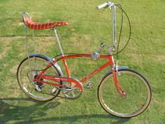 Old Bicycles of the Past. A time gone by but not forgotten! Bicycles from around the world! Old Bicycle, Old Bikes, Banana Seat Bike, Bicycle Pictures, Bmx Cruiser, Chopper Bike, Speed Bike, Cool Bicycles, Bike Art