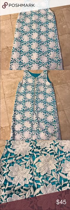 Kate Spade Summer Dress Beautiful dress. Pictures is actual dress. Good used condition- I'm not on Posh to make a profit off of you- I do Posh to keep my closet always changing. Happy Poshing!!! kate spade Dresses Midi