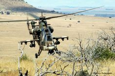 First operational Denel Rooivalk attack helicopters delivered to South African Air Force Attack Helicopter, Military Helicopter, Military Aircraft, Modern Fighter Jets, South African Air Force, Surplus Militaire, Army Day, Air Force Aircraft, Military Pictures