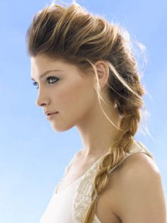 How to Wear Clip in Hair Extensions - Tips to Apply Hair Extensions - Cosmopolitan