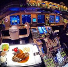 Pilot's Meal in the Airplane's ✈️ cockpit