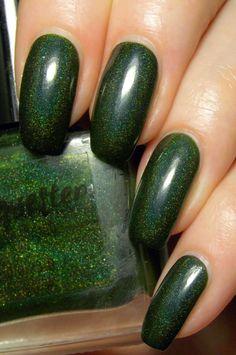 Green, Glaze & Glasses: Lacquester - Holo Huntress
