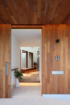 Tatami Room, Minimal Home, Random House, Facade House, Architect Design, Foyer, Entrance, Minimalism, Stairs