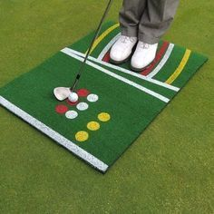 the red shows ball and feet position for a chip, white for a pitch, and yellow for a lob or bunker shot