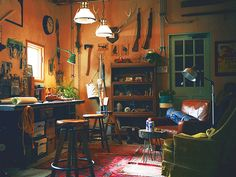 Oh there's so much to love about these cozy cottage workspaces!