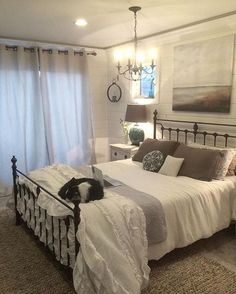 amazing 48 Gorgeous Farmhouse Master Bedroom Decorating Ideas https://homedecort.com/2017/08/48-gorgeous-farmhouse-master-bedroom-decorating-ideas/