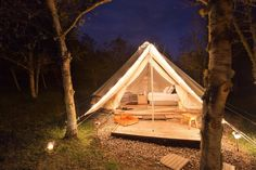 Glamping Bell Tent Accommodation near Bogota, Colombia Camping Con Glamour, Bell Tent, Night Time, Glamping, Outdoor Gear, Villa, Outdoor Furniture, Aurora, Decor