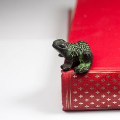 Vintage Brass Frog Figurine Tiny Metal Green by CozyTraditions, Christmas Gift for her / Christmas Gift Idea for Women