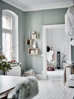 Home Decorating Ideas Living Room Wall color green-gray Home Decorating Ideas Living Room Source : Wandfarbe grün-grau by christinaskey Share Scandinavian Interior Design, Scandinavian Home, Home Interior Design, Interior Paint, Kitchen Interior, Interior Wall Colors, Modern Interior, Room Interior, Office Paint Colors