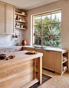 Kitchen In, Studio Kitchen, Rustic Kitchen, Kitchen Ideas, Shaker Kitchen, Natural Wood Kitchen Cabinets, Wood Cabinets, Bohemian Kitchen Decor, Melbourne
