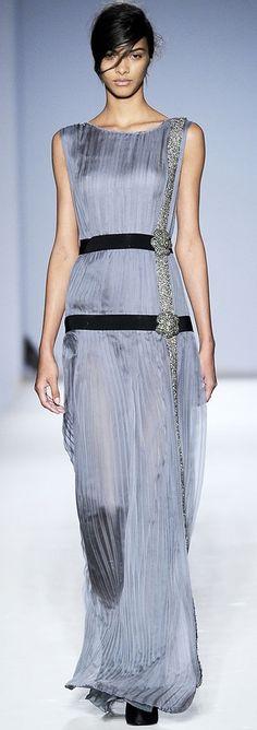 Alberta Ferretti Fall 2010 Ready-to-Wear Fashion Show