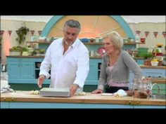 ▶ How to Make Chelsea Buns - YouTube (Paul Hollywood)