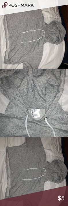 Crop top grey sweatshirt Grey, and comfy. H&M Tops Sweatshirts & Hoodies
