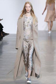 Calvin Klein Ready To Wear Spring 2016 | WWD