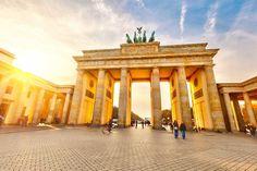 Brandenburger Tor, im Licht der Herbstsonne, Berlin http://kunstop.de/Brandenburger-Tor-im-Licht-der-Herbstsonne-Berlin/ #BrandenburgerTor #Herbstsonne #Berlin
