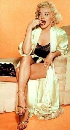 Такое красивое выражение лица мм. Мэрилин Монро на съемках Джек Бенни шоу, 1953…