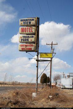Seeking a sign ▓ Near Springerville, AZ