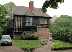 Tilton House Newport RI - Mckim, Mead, & White-On the market right now...I'll take it!